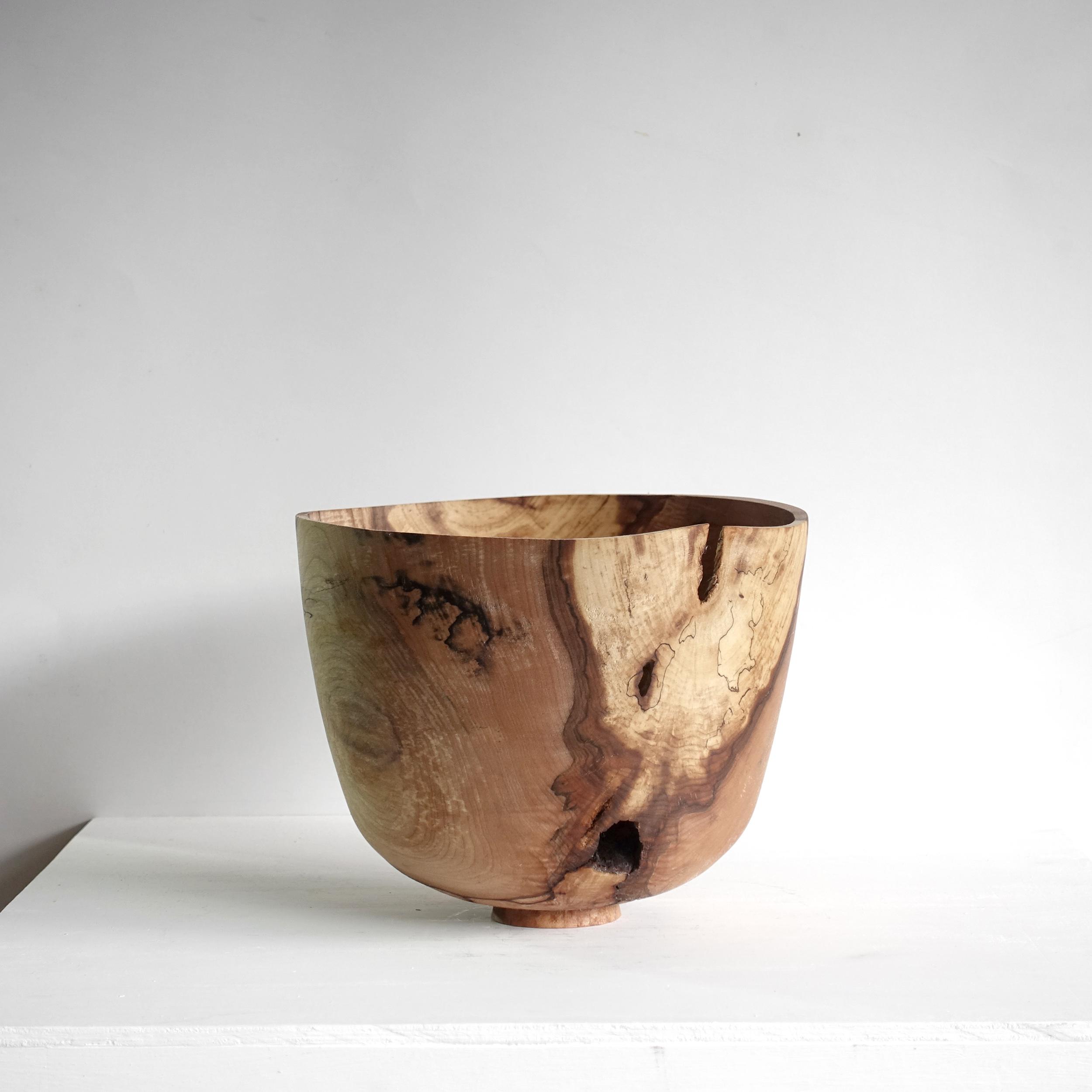 Spalted maple vessel / Bol en érable coti